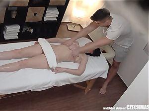 supah slim female Getting rubdown of Her Life