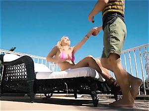 Natalia Starr likes twat pummeling in the super hot sunshine