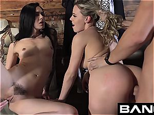 pummel Confessions:Aubrey threesome penetrate in Dressing apartment