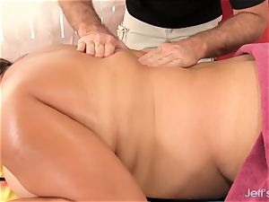 enormous stunner Gets Her saucy body and poon rubbed