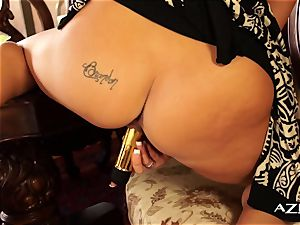 blondie cougar gropes her labia for you