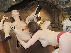 Xmas poon grinding action with Chanel Preston and Jillian Janson
