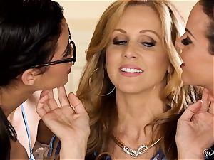 Rahyndee Julia Ann and Blair Summers sapphic 3some