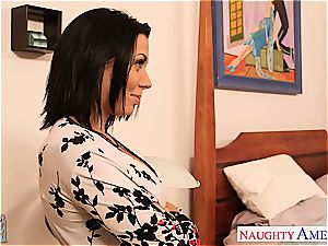 lovable Rachel Starr fumbles her cooch before a superb munch and shag