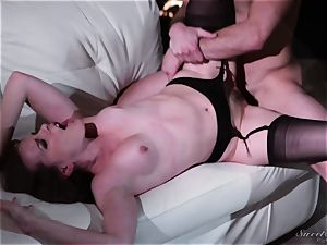 Dana DeArmond pounded in her pussylips