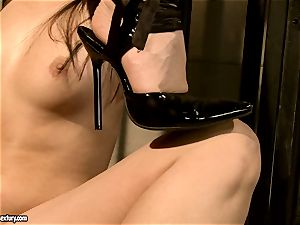Kathia Nobili makes a warm stunner deep-throat a fuck stick