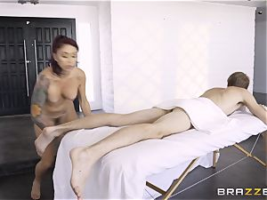 Monique Alexander secretly taking the ginormous monster man meat of Danny D in the donk